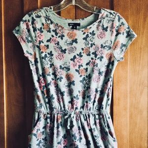 Gap Kids Girls Floral Rose Grey Dress w/Pockets